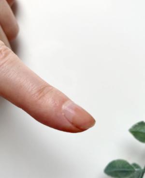 爪が染まります